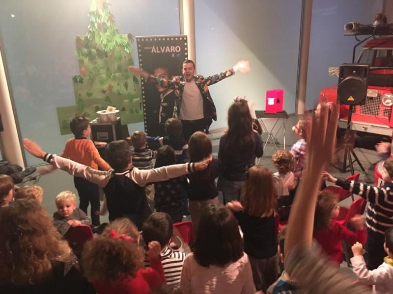 El mag Àlvaro, ha encantat als xiquets i xiquetes aquest divendres