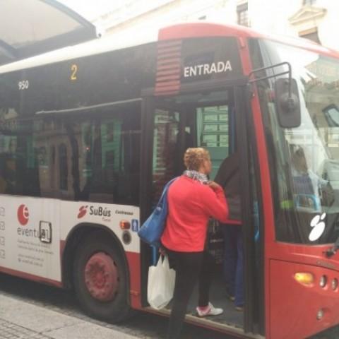 Guanyar Alcoi reclama parades a demanda als autobusos com a prevenció contra l'assetjament sexual