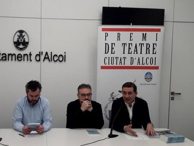 Presentació de la publicació guanyadora del Premi de Teatre Ciutat d'Alcoi 2016.