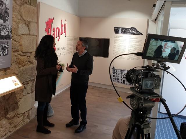 Entrevista a EduardoGilabert en el el Museu del Paper de Fumar de l'Alqueria d'Asnar / LHIA