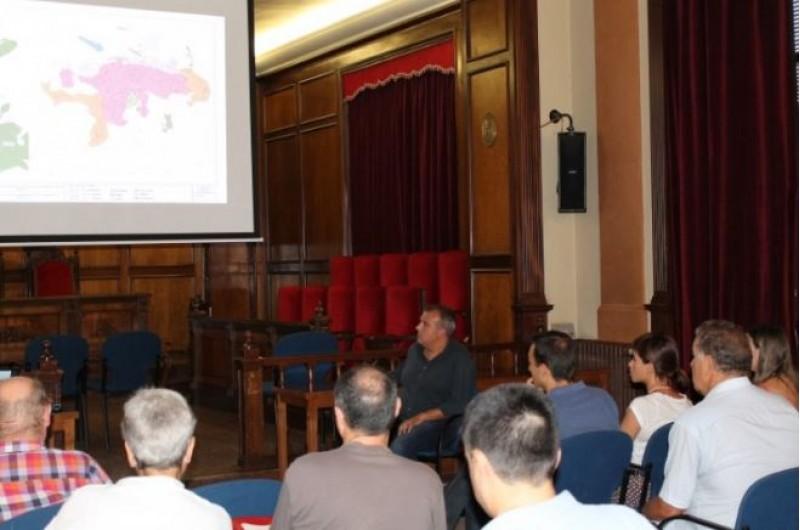 Jordi Martínez i l'empresa Lovic expliquen el plec a oposició i consell de participació de Medi Ambient (Reunió del 2016) / Ajuntament