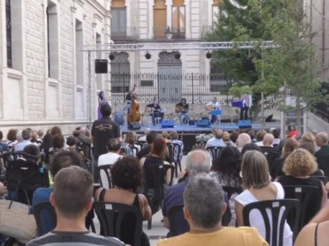 Multitudinari concert / AM