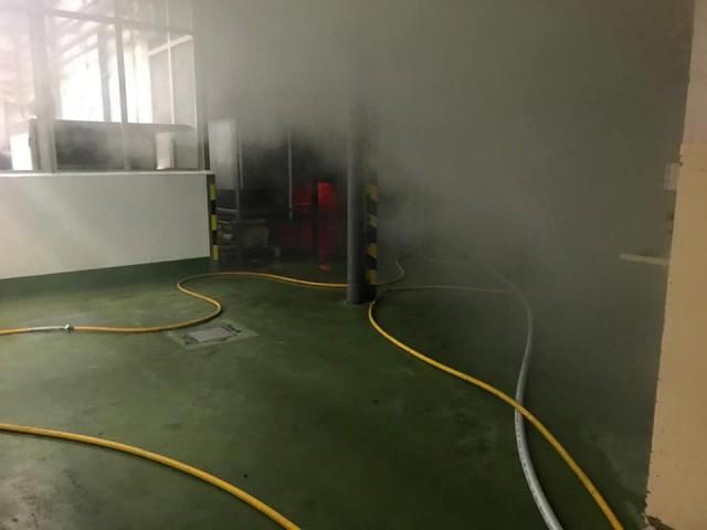 Controlat l'incendi auna empresa de torró de Xixona sense ferits