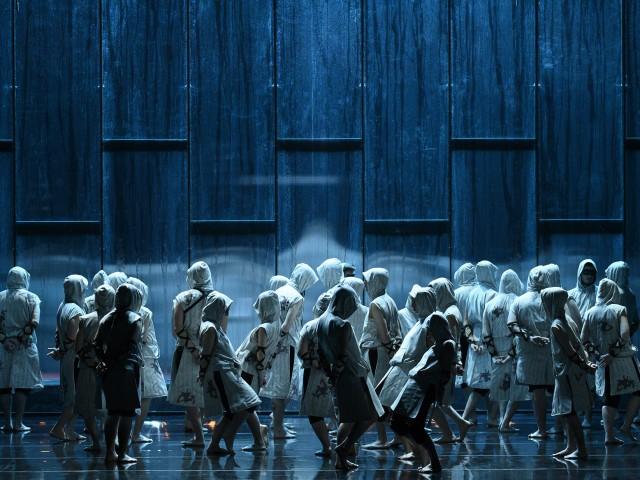 Hipopòtams blaus, dansa i teatre per a donar inici a la Mostra de Teatre d'Alcoi