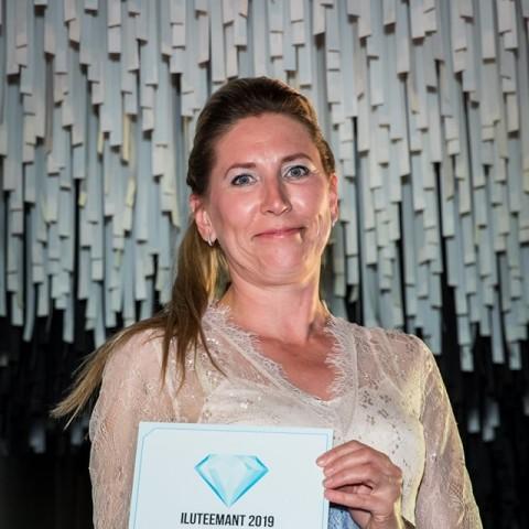 La revista d'EstòniaIluguruha premiat aGermainedeCapuccini