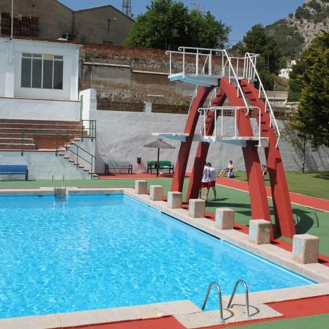 Els majors de 65 anys tindran l'entrada gratuïta tots els dilluns a les piscines