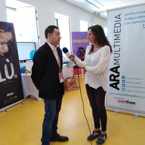 """Miquel Santamaría, director de la Mostra de Teatre d'Alcoi: """"el nostre secret ha sigut especialitzar-se en els gestors i el teatre en valencià"""""""