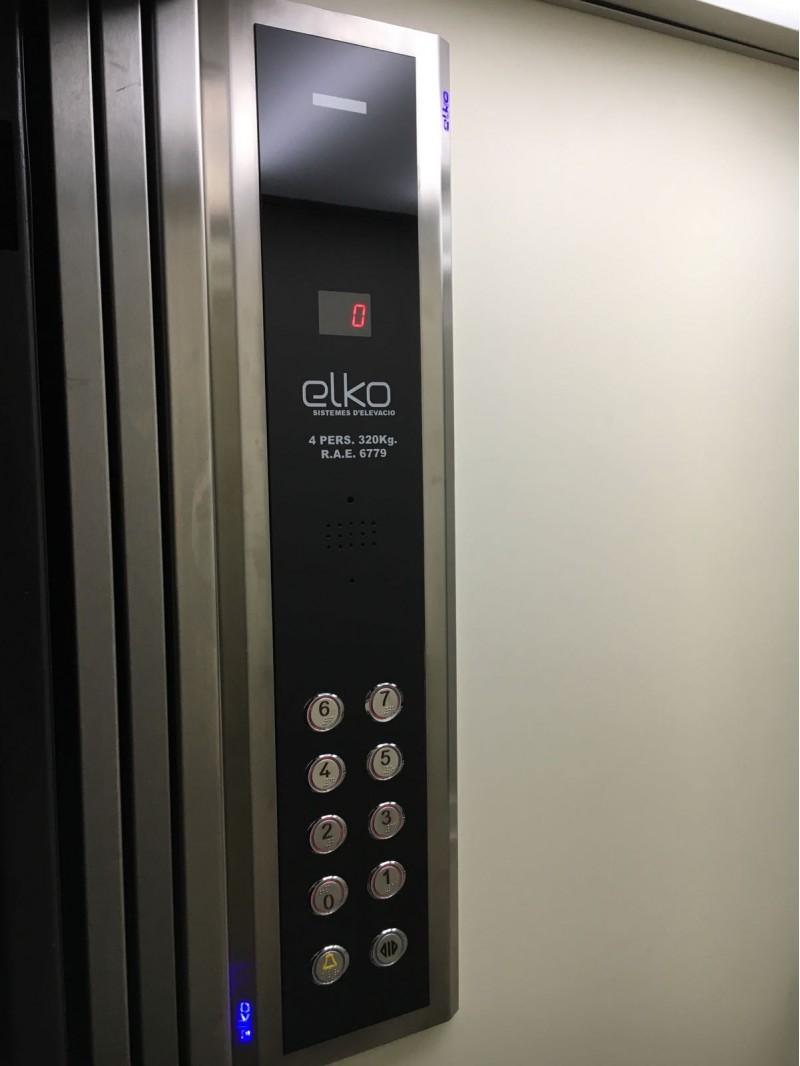 Un dels panells de botons que fabrica Elko.