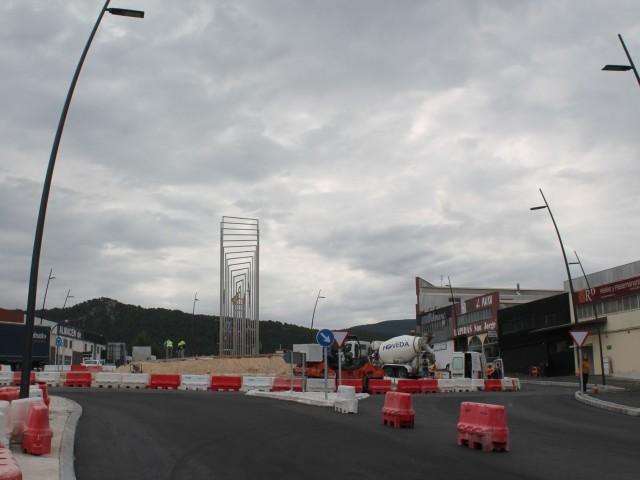 L'escultura d'Alfarodonarà la benvinguda a Alcoi en l'entrada sud de la ciutat