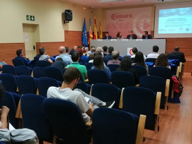 Sessió de treball a la Cambra de Comerç d'Alcoi.