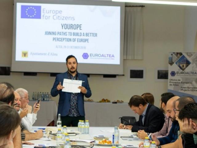 Alberto Lorente, responsable de projectes internacionals de CREA 360, en la constitució de la xarxa a Budapest.