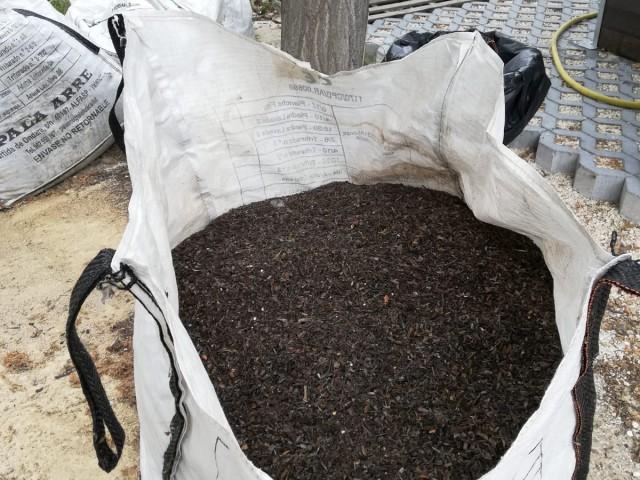 El Centre de Compostatge Comunitari d'Agres ha generat 111 quilos de compost