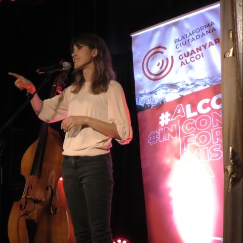 Guanyar Alcoi s'envolta de música per a concloure la campanya electoral