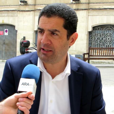 """Toni Francés, alcaldable del PSPV Alcoi: """"Tenim un projecte que fa d'Alcoi una ciutat líder"""""""