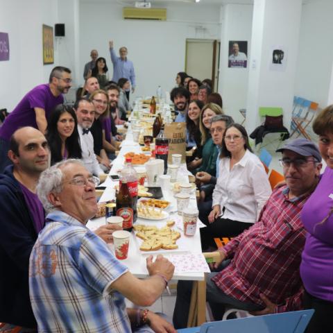 Equip de Podem Alcoi a la seu en la nit electoral del 26 de maig // ARAMULTIMÈDIA