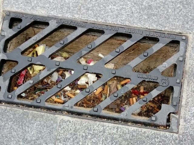 Ciutadans Alcoi demana la neteja dels embornals del carrer Sant Jaume