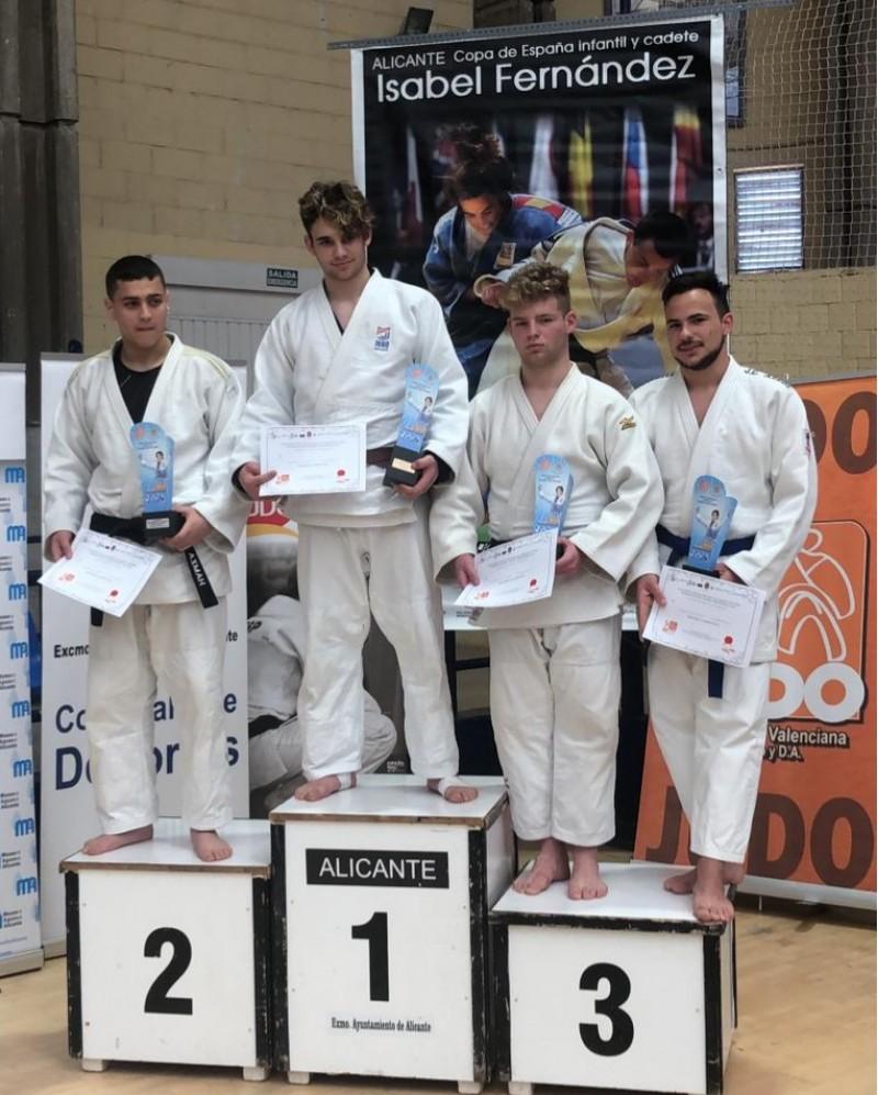 Raúl Fernández a la tercera posició del podium / Judo Club Alcoi