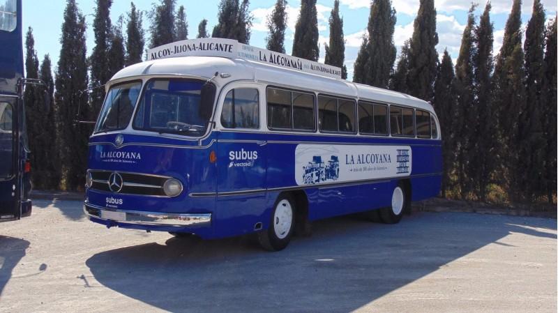 Model d'autobús que cobria antigament la línia Alcoi-Xixona-Alacant.
