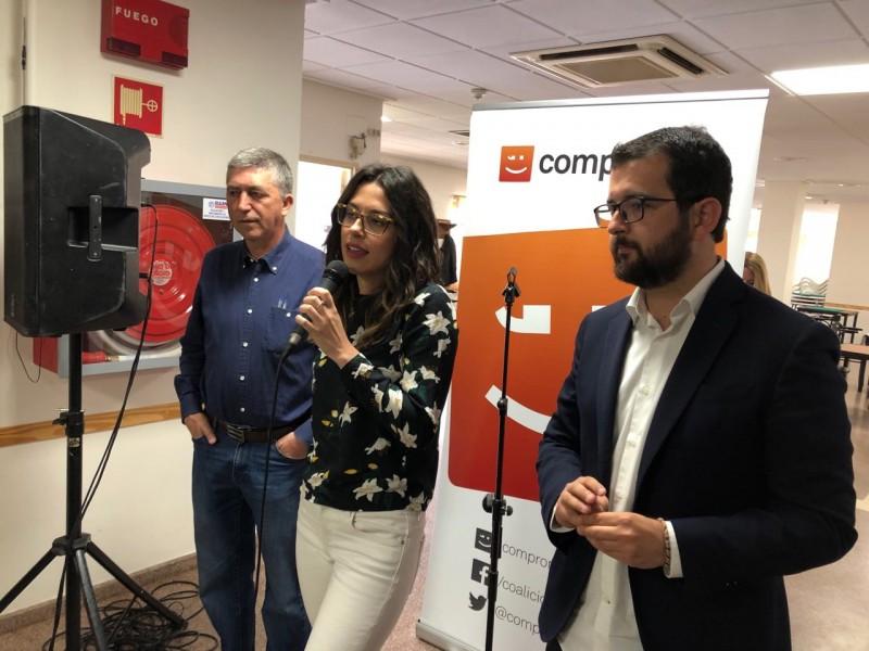 Els tres candidats s'adrecen al públic en Muro.