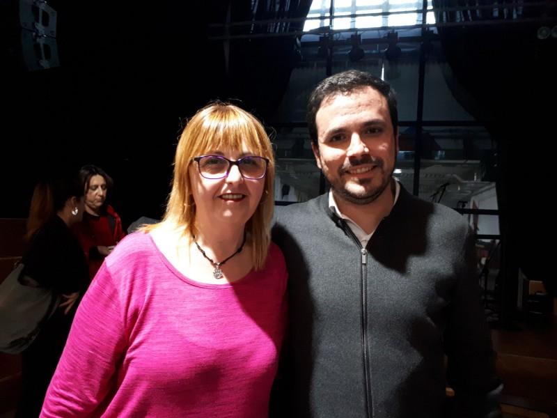 Eli Aleix (esquerra) amb el coordinador federal d'Esquerra Unida, Alberto Garzón (dreta).