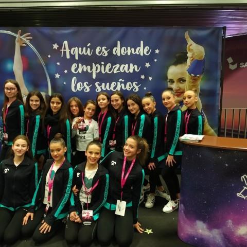 Les gimnastes del CGR Sant Jordi amb Artemi Gavezou, subcampiona olímpica / GGR Sant Jordi