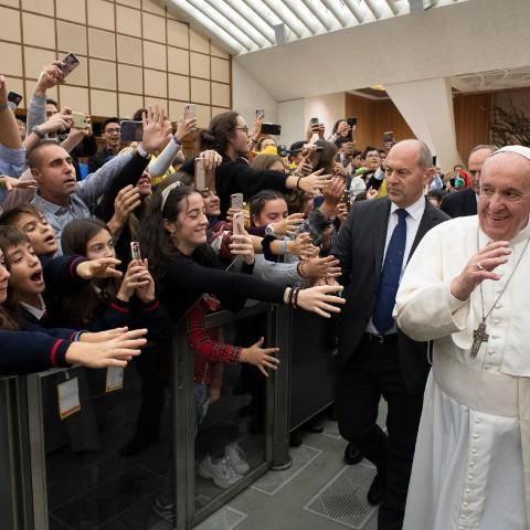 4 alumnes d'Alcoi en la Cimera Mundial dels Xiquets amb el Papa