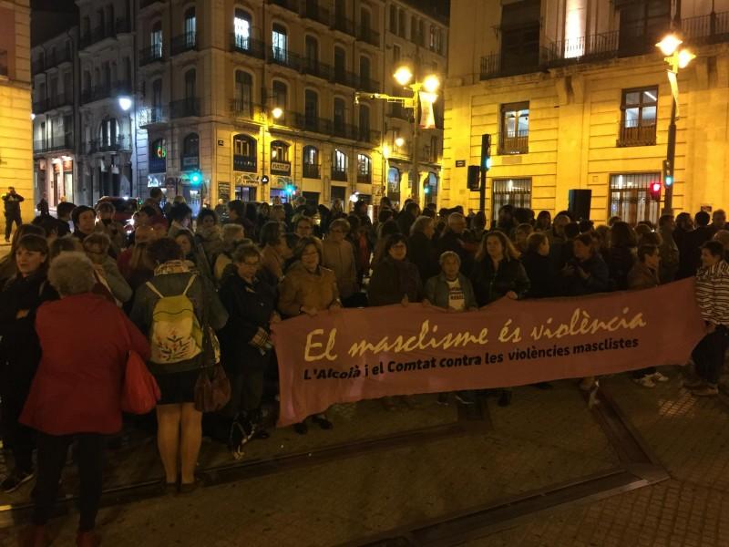 Concentració a la Plaça d'Espanya / AM