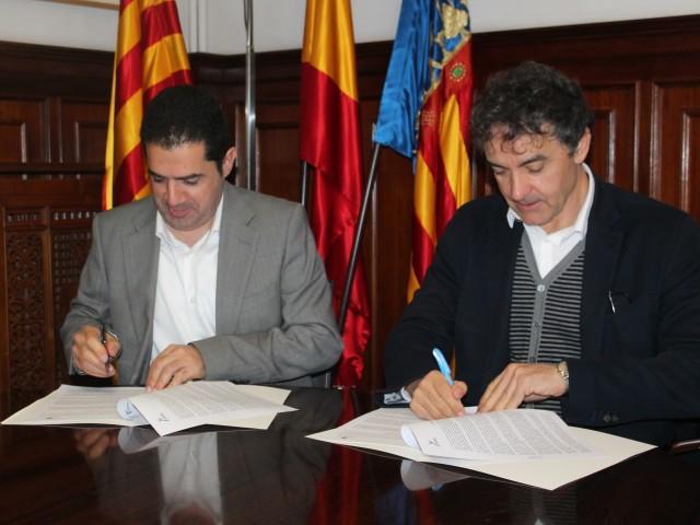 El conveni s'ha signat a càrrec de l'alcalde Toni Francés,i el Secretari Autonòmic de Turisme, Francesc Colomer.