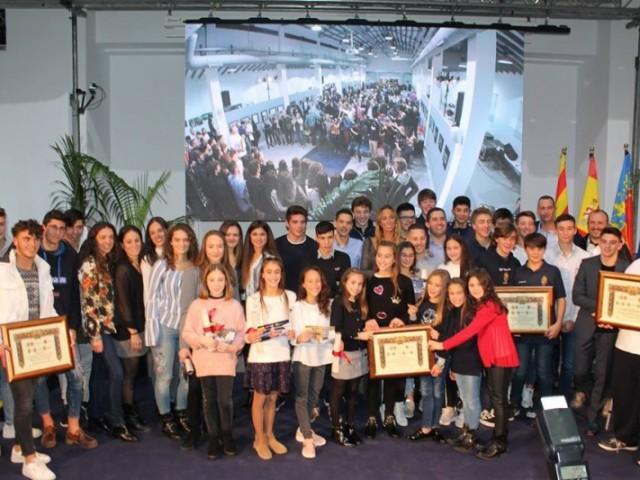 Gala de l'esport en Alcoià en 2018, moment en què es fa entrega de les ajudes.