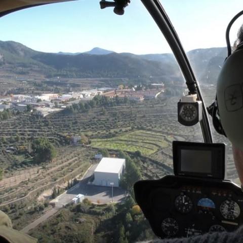 Des de dins l'helicòpter / AM