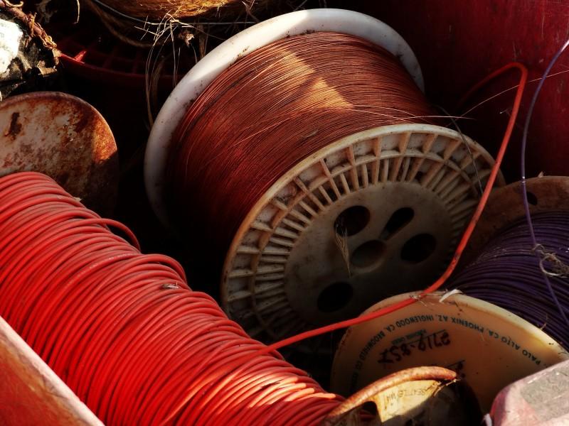 Imatge genèrica de cables de coure, va Pixabay