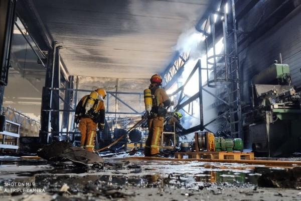 Incendi al polígon industrial de laBeniata d'Alcoi
