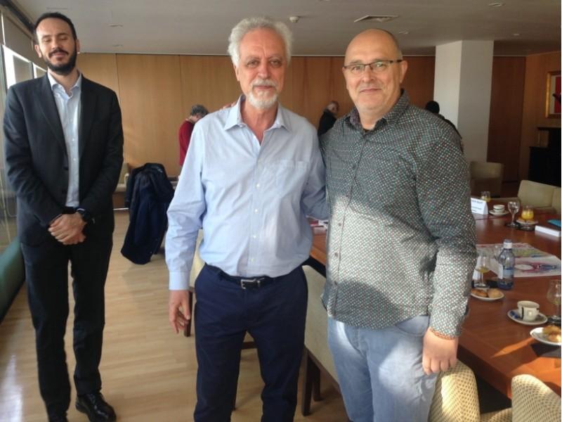 Encontre amb el relatorLeo Heller (esquerra).