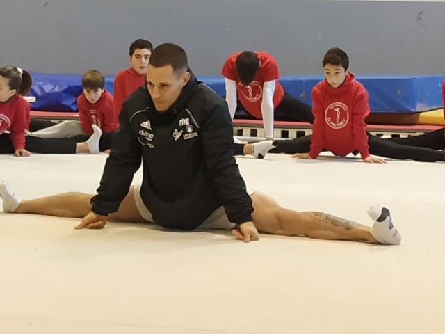 Entrenament amb jóvens gimnastes d'Alcoi a principis de 2019 / AM