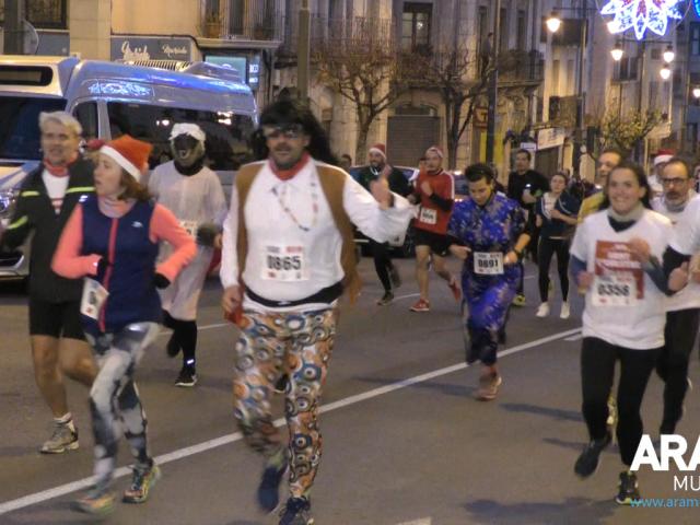 Més de 800 corredors acomiaden l'any amb la Sant Silvestre Alcoi