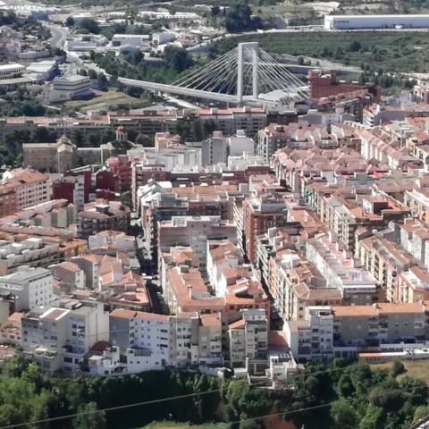 Aposta perquè les empreses de capital estranger establides a Alcoi reinvertisquen en la ciutat