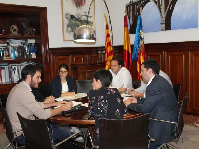 Reunió a l'Ajuntament d'Alcoi amb representants de la Conselleria d'Habitatge