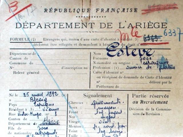 Document que demostra la reclusió de José Esteve Vicedo al camp de concentració francés.