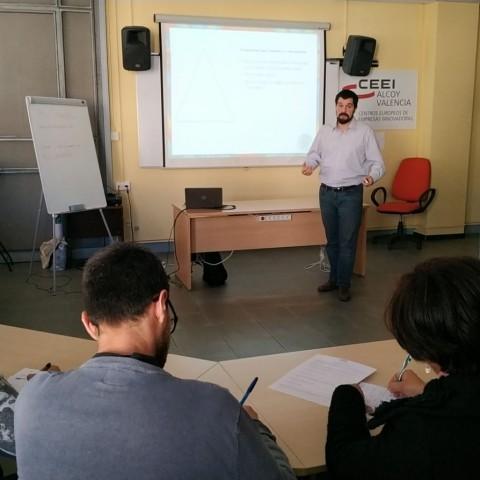 Sessió formativa a les instal·lacions del CEEI Alcoi