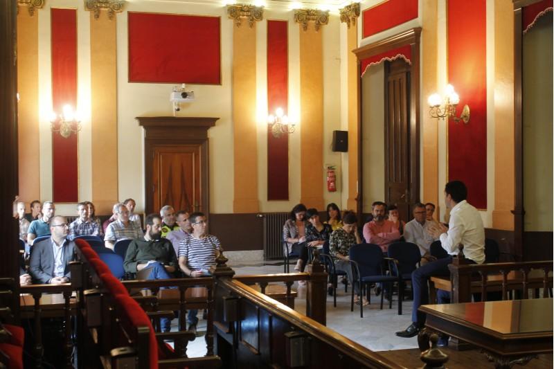 El projecte ha sigut presentat per Toni Francésdavant la resta de l'equip municipal i responsables tècnics de l'Ajuntament.