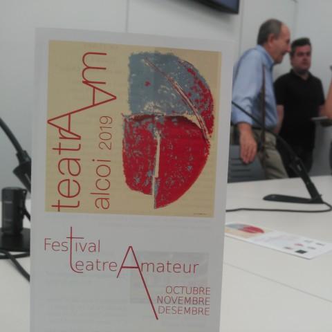 El cartell d'aquesta primera edició ha sigut dissenyat per Ignacio Trelis