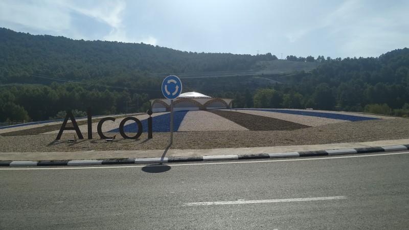 Rotonda d'accés sud a Alcoi