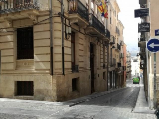 La cruïlla dels carrers Sant Francesc i Sant Maure