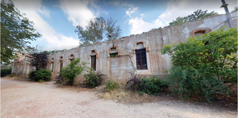 Els xalets de la Font Roja, un projecte que es troba paralitzat des de fa anys / Google maps