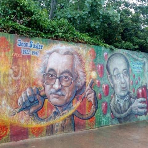 Més de 800 signatures per demanar que no es tomben els murals literaris de Muro