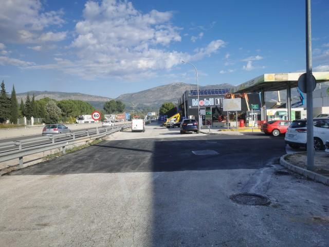 Tram asfaltat en la carretera d'accés a Muro.