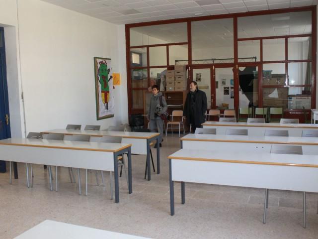 La regidora de Joventut i el regidor de Formació visiten les noves instal·lacions.