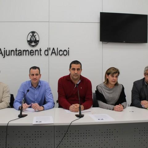 Roda de premsa de la presentació de la cinquena edició de «L'Alcoianada».