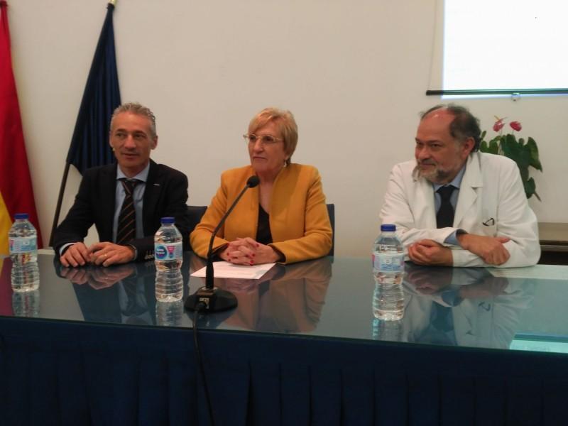 José Manuel Ventura, Ana Barceló i José Manuel Moltó, director de l'Hospital Verge del Lliris.