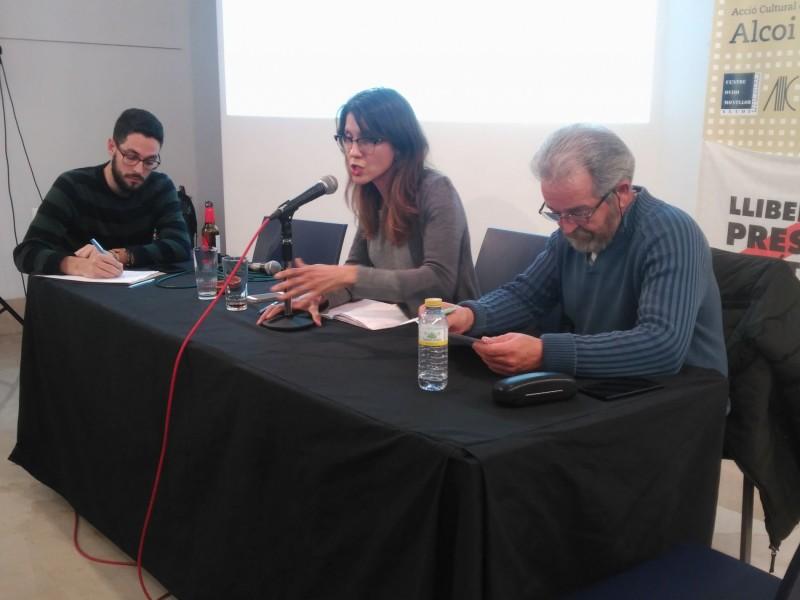 Sandra Obiol i Paco Paredes durant l'assemblea d'aquest 12 de febrer.